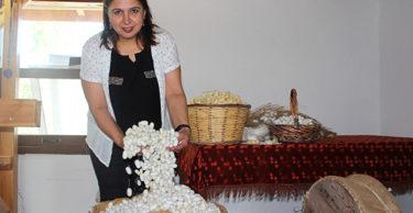İpek dokumacılığı Koza Evi'nde yaşatılıyor