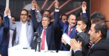 Antakya Belediyesi CHP adayı Hikmet Hatunoğlu CHP İl örgütünde davul zurnayla karşıladı