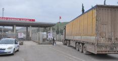 BM'den Suriye'ye 17 tırlık yardım