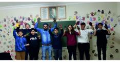 Sınıflarını Elleri İle Renklendirdiler
