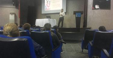 """Defne Necmi Asfuroğlu Anadolu Lisesi Velilerine """"Okul ve Aile"""" Konulu Seminer Verildi"""