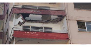 Hatay'da binanın iki balkonu çöktü