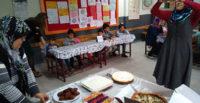 Yemek yarışmasında anneler yarışmacı, çocukları jüri oldu