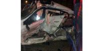 Halk otobüsüne çarpan otomobil sürücüsü hayatını kaybetti