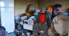 Yıllardır zorlu hayat yaşayan yaşlı kadın artık yardım eli bekliyor