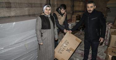 Suriye'de sel mağduru ailelere yardım