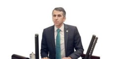 CHP'Lİ SEÇMENLER CHP MİLLETVEKİLİ SERKAN TOPAL'DAN ŞİKAYETÇİ