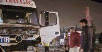Otomobil tıra arkadan çarptı: 1'i ağır 2 yaralı
