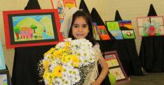 Altı yaşında resim sergisi açtı