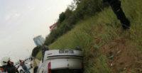 Hatay'da otomobil su kanalına devrildi: 4 yaralı