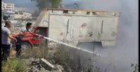 Ot yangını park halindeki kamyonu yakıyordu!