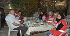 Kızılay'dan Gazilere iftar yemeği