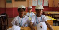 Öğrencilerden yaz sıcakları için serinleten şapka