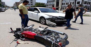 Otomobil ile çarpışan motosiklet sürücüsü yaralandı