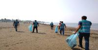 Hatay'da hükümlülerden sahil temizliği