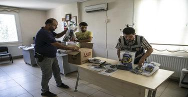 Suça karıştığı tespit edilen Suriyeliler sınır dışı edildi