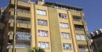 Lise öğrencisi kız, hurdalarla 'dev kaplumbağa' heykeli yaptı