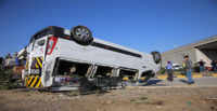 Hatay'da öğrenci servisiyle otomobil çarpıştı
