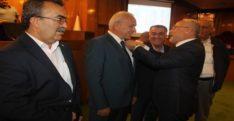 Başkandan meclis üyelerine rozet