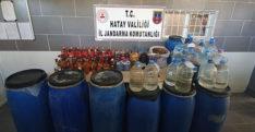 Hatay'da evlerinde kaçak alkol üreten 4 kişi gözaltına alındı