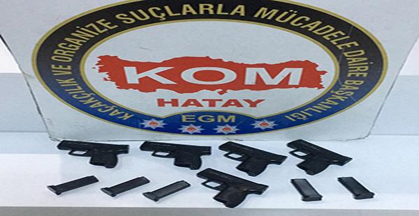 Hatay'da kaçak silah operasyonu 5 tabanca ele geçirildi