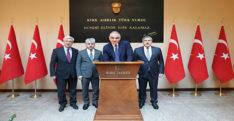 BAKAN ERSOY VALİLİK ŞEREF DEFTERİ'Nİ İMZALADI