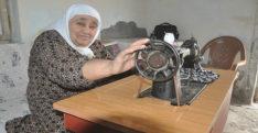 """HATAY'DA 84 YAŞINDAKİ TERZİ """"MAŞALLAH"""" DEDİRTİYOR"""