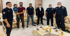 POLİSTEN 4 YAŞINA GİREN ÇOCUĞA DOĞUM GÜNÜ SÜRPRİZİ