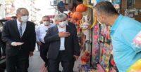 VALİ DOĞAN DEFNE'DE COVİD-19 DENETİMİ YAPTI
